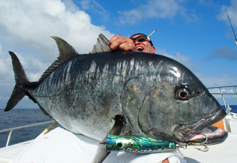 ロウニンアジ 石川県珠洲市釣り船シーク号船長ダイスケが沖縄でロウニンアジに挑む!